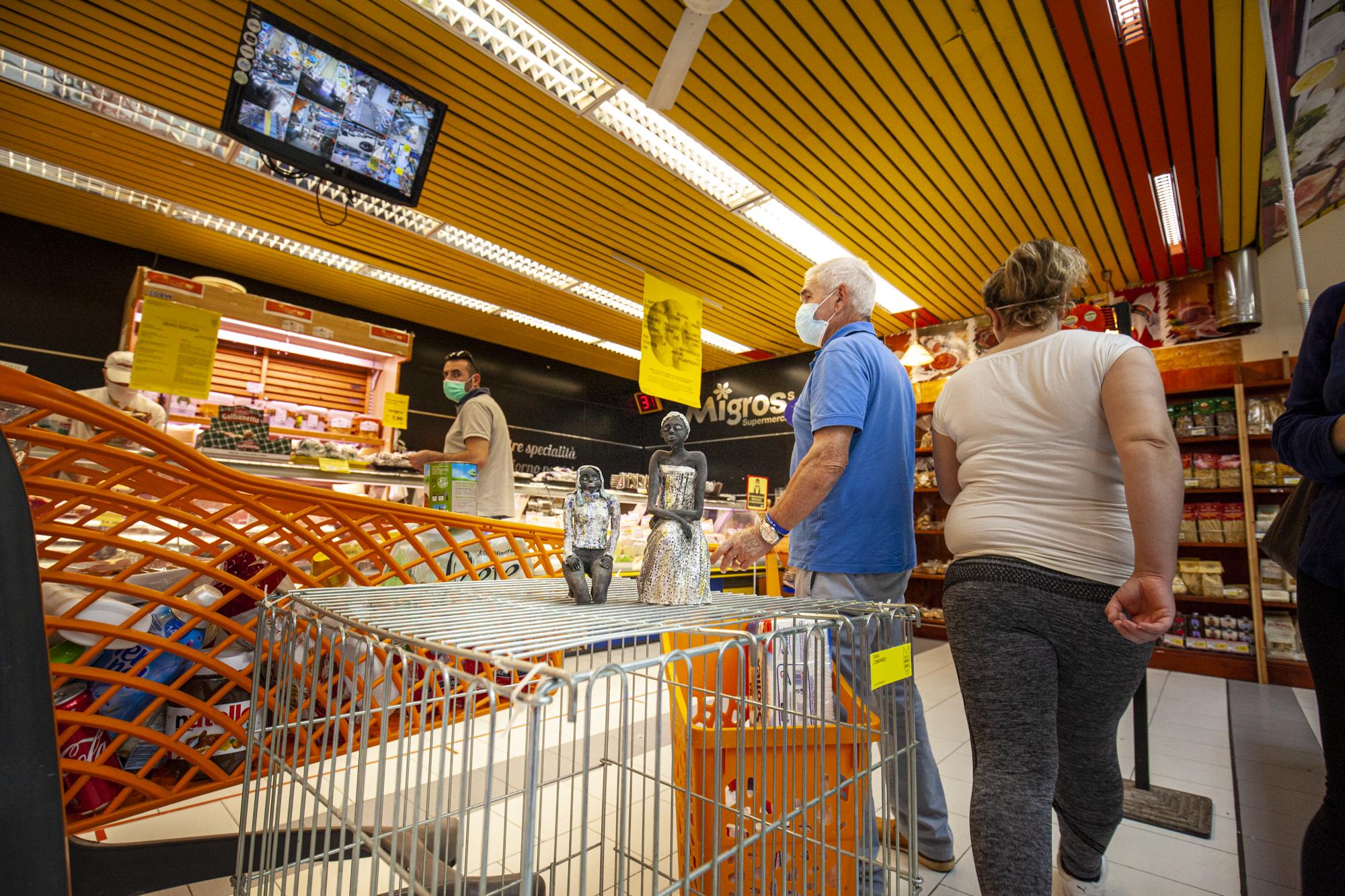 11- Tania Lombardo - 10cents- Art At The Supermarket by Giuseppina Giordano- Zero Edition, Mazara del Vallo- ph Benito Frazzetta